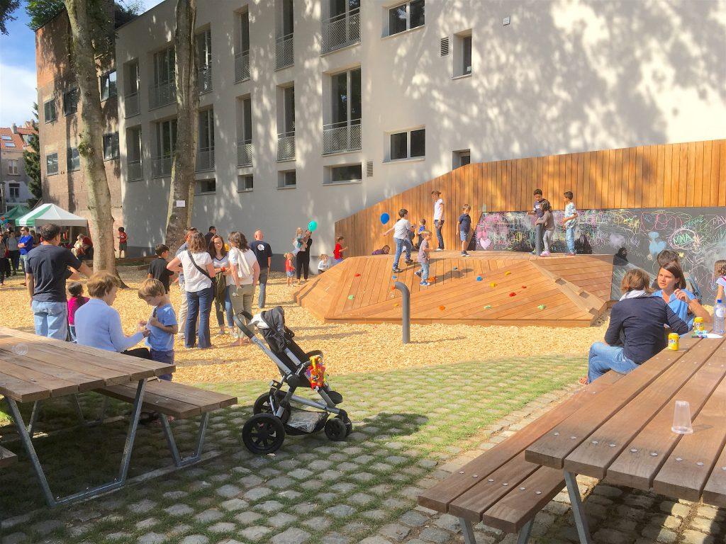 Le parc qui s'ouvre vers le quartier